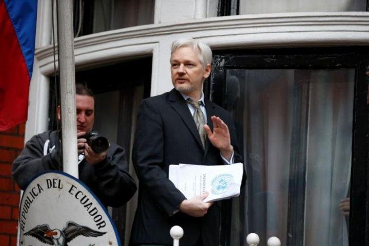 WikiLeaks sẽ chia sẻ dữ liệu 'quan trọng' về chiến dịch của Hillary Clinton